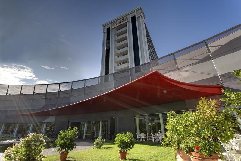 Panoramic Plaza